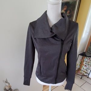 Head fitted jacket